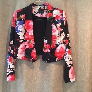 Guess Cropped Floral Blazer